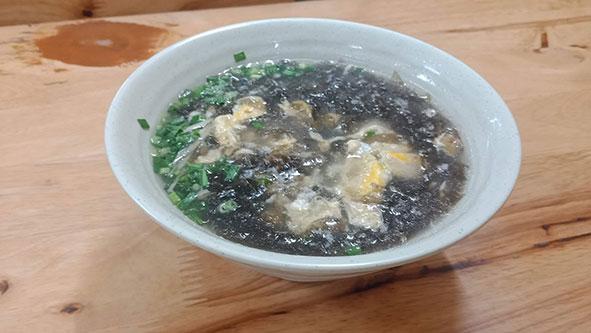 六合水餃の海苔のスープ